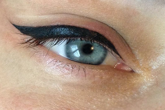 semi-permanent-eye-liner-make-up-01