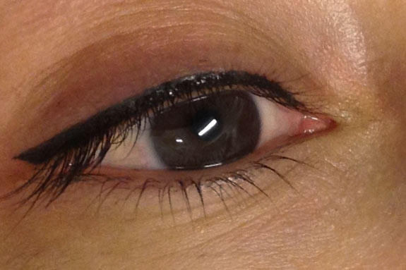 semi-permanent-eye-liner-make-up-02